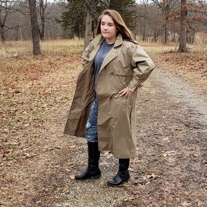 Light weight trench coat